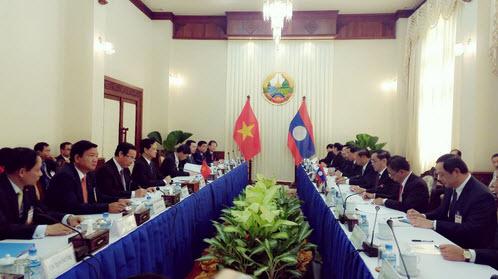 Việt Nam – Lào ký Bản ghi nhớ nâng tầm hợp tác trong lĩnh vực giao thông vận tải