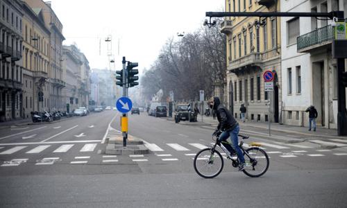 Italia cấm tạm thời sử dụng phương tiện cơ giới cá nhân để giảm thiểu ô nhiễm