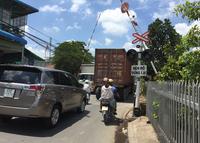 Nhức nhối nạn lấn chiếm hành lang đường sắt